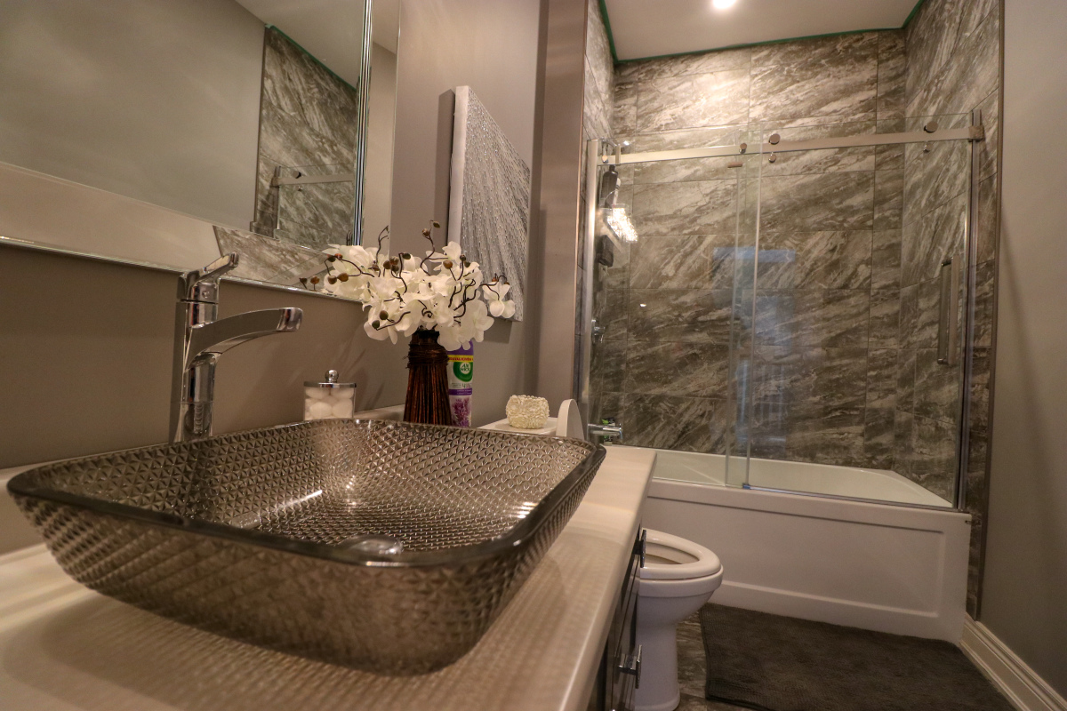 Luxurious Bathroom 4